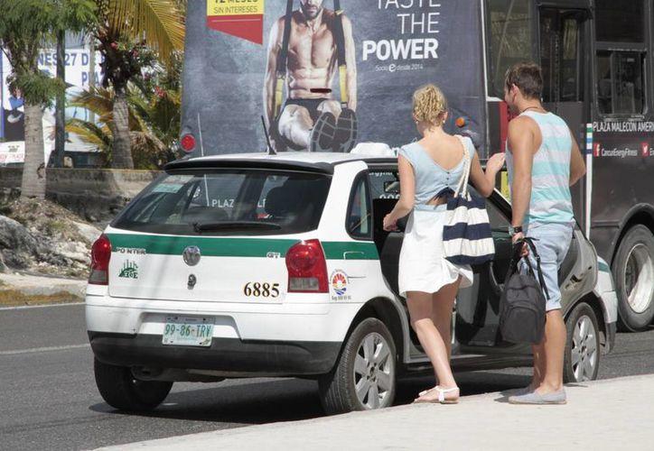 El sindicato aumentó a 27 pesos el costo del servicio mínimo en la ciudad. (Tomás Álvares/SIPSE)