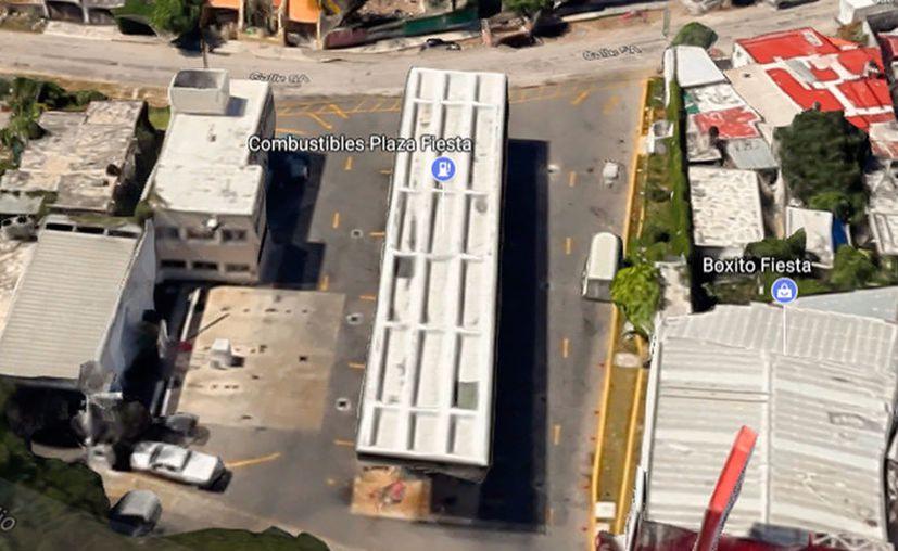 Al menos dos gasolineras de Mérida se niegan a poner los precios por día de las gasolinas, lo que puede afectar al usuario: pueden cobrarle más de lo autorizado. La imagen es de contexto. (Google Maps)