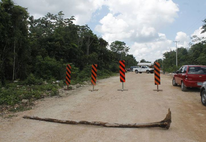 Tiene 15 días el bloque de la vía Delirios-Central Vallarta. (Archivo/SIPSE)