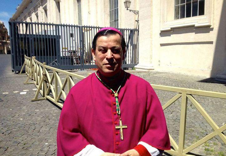 El nuevo arzobispo de Yucatán, Gustavo Rodríguez Vega, recibirá en Mérida, durante una misa, el palio que le da simbólicamente el máximo puesto de la jerarquía católica en Yucatán. (Notimex)