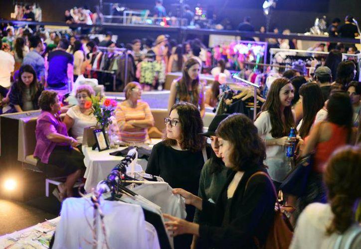 La ropa tiene gran demanda en los bazares que se organizan en Mérida. (Milenio Novedades)