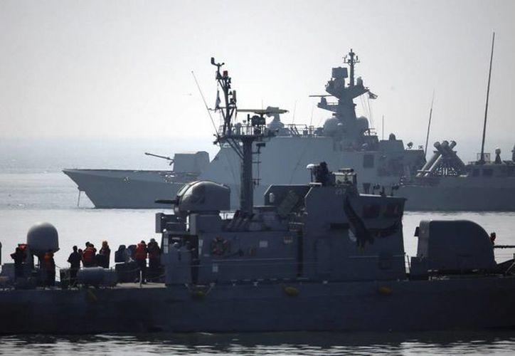 Seúl realizó disparos de advertencia a navíos norcoreanos por cruzar la frontera marítima. (EFE)