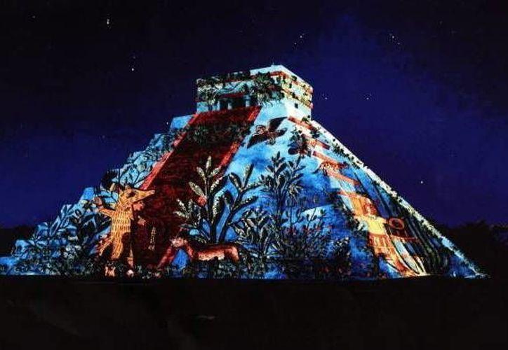 Las 'Noches de Kukulcán' suman más de 61 mil visitantes. (Milenio Novedades)