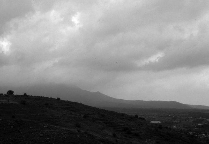 Para la zona centro del país, Conagua pronosticó tormentas eléctricas y caída de granizo. (Notimex)