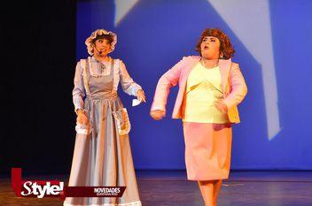 """Presentan la obra """"Chiny Poppins"""" en Teatro de Cancún"""
