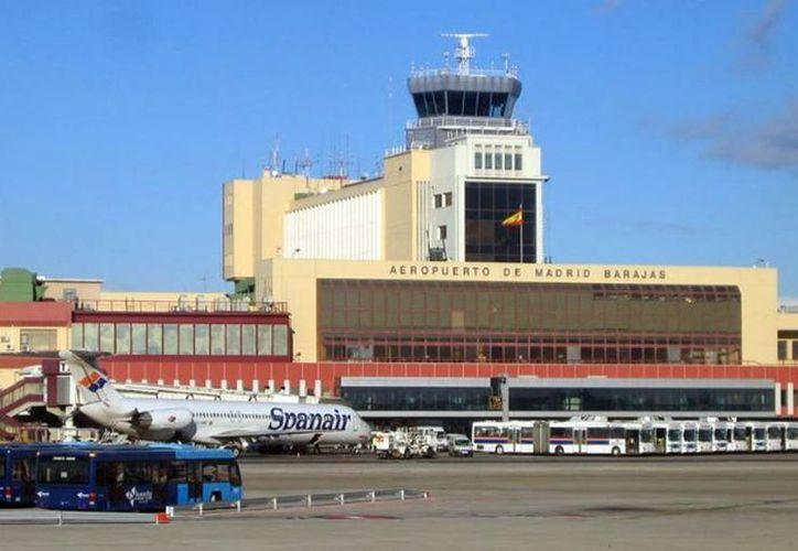 Imagen del aeropuerto Barajas en Madrid, España, donde murió un africano que transportaba cocaína en el estómago. (Milenio Novedades)