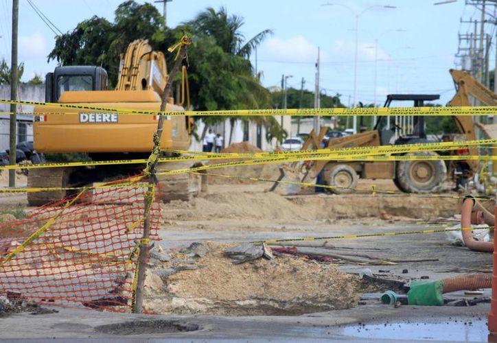 Las condiciones climatológicas no han permitido que se lleve a cabo el trabajo de reparación. (Harold Alcocer/SIPSE)