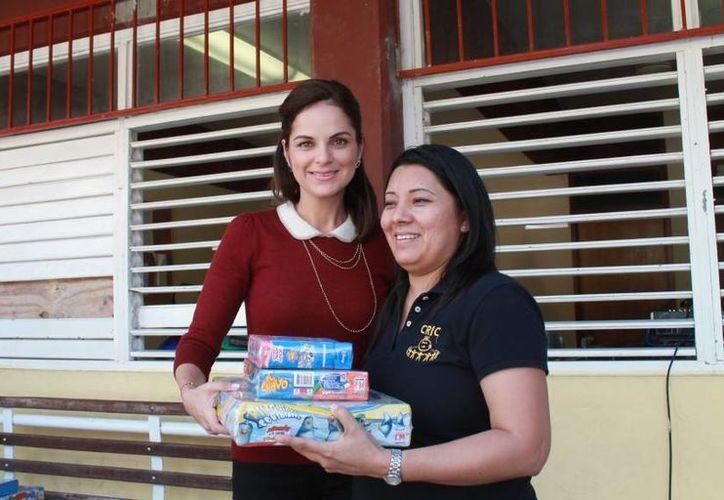 La presidenta del DIF Cozumel visitó centros de atención para menores con capacidades diferentes. (Cortesía/SIPSE)
