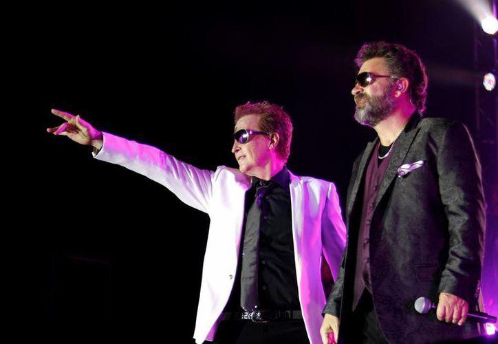 Emmanuel y Mijares serán coronados y recibirán condecoraciones en Las Vegas, donde cantarán en septiembre. (Notimex/Foto de archivo)