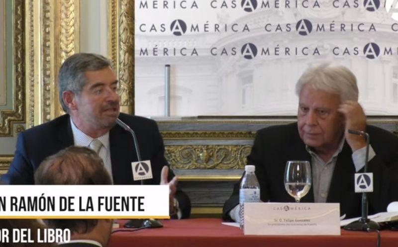 Felipe González ex presidente de España durante la presentación del libro de Juan Ramón de la Fuente. (Foto: Huffington Post)