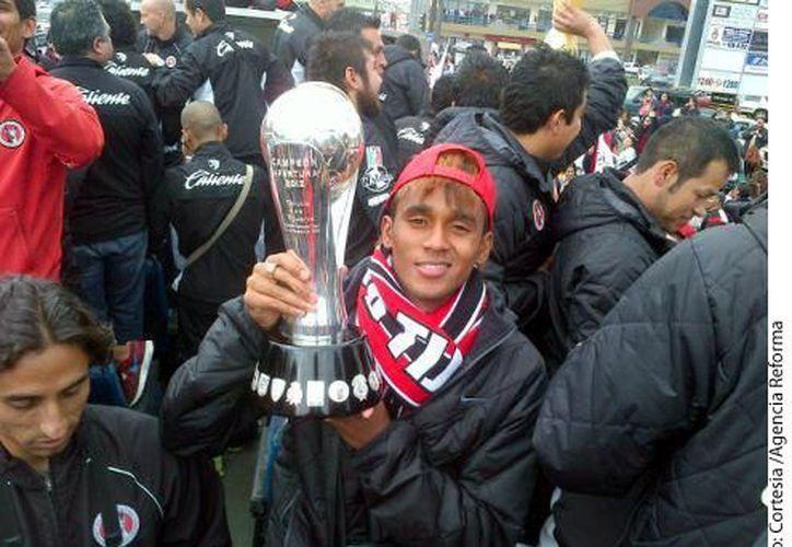 Fidel Martínez fue uno de los jugadores fundamentales para que Xolos pudiera levantar el trofeo de campeón. (Agencia Reforma)