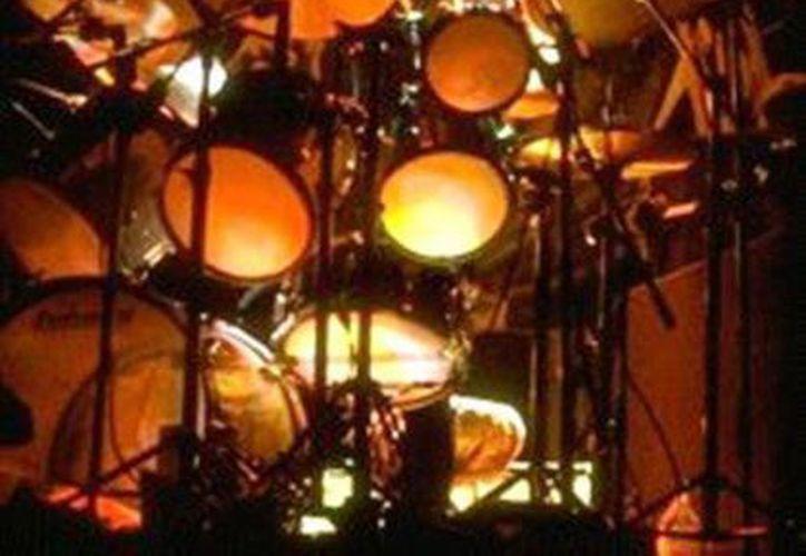 Clive Burr en su época de oro  con Iron Maiden. (Facebook oficial)
