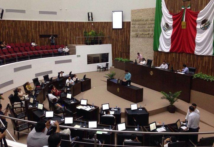 Entre los funcionarios públicos de Yucatán obligados a rendir su declaración patrimonial están los que laboran en el Poder Legislativo. (Archivo/SIPSE)
