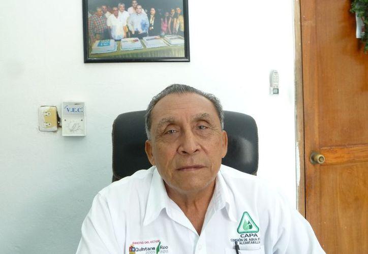 El gerente de CAPA, Arsenio Balam Helguera, dijo que se beneficiaron habitantes de varias comunidades del municipio. (Raúl Balam/SIPSE)