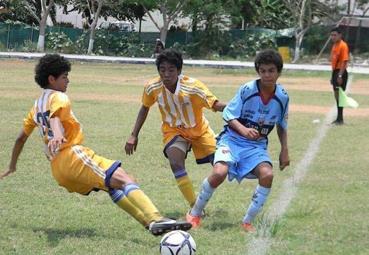 Benitojuarenses luchan por obtener su primer juego ganado en el torneo. (Archivo/SIPSE)