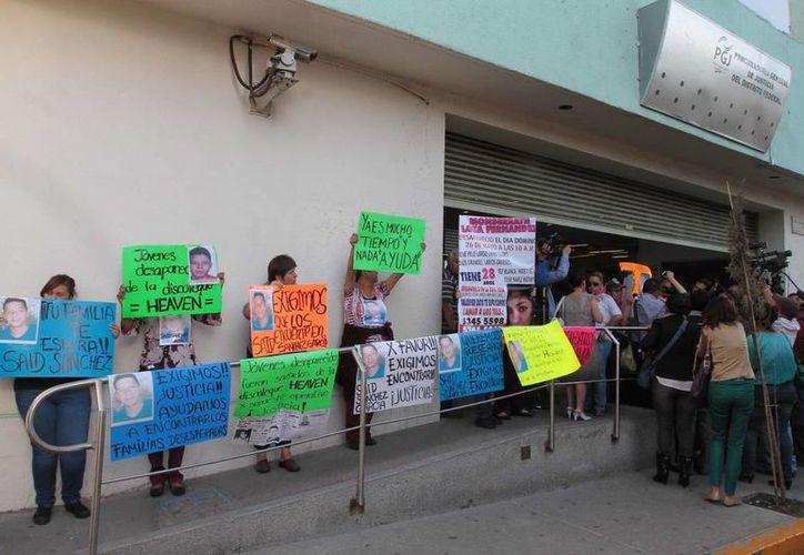 Manifestación en torno a los desaparecidos del bar Heaven. Se dice que los responsables del delito tienen vínculos con narcos. (Notimex)
