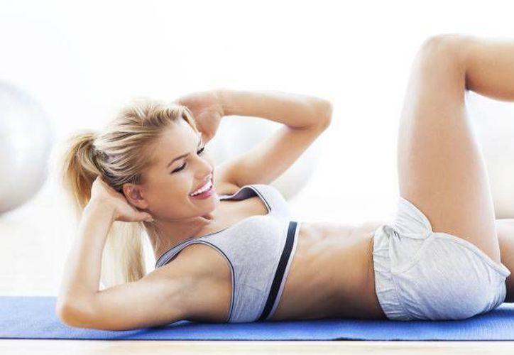 Las abdominales pueden causar lesiones en la espalda y columna. (Imujer.com)
