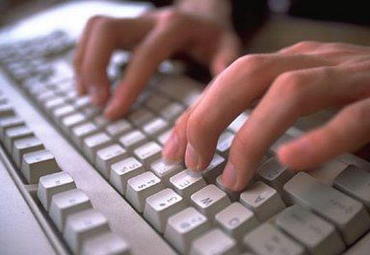 Abogados opinan que el problema surge por el choque entre leyes del siglo XX y  comunicaciones del siglo XXI. (www.webearsocial.com)