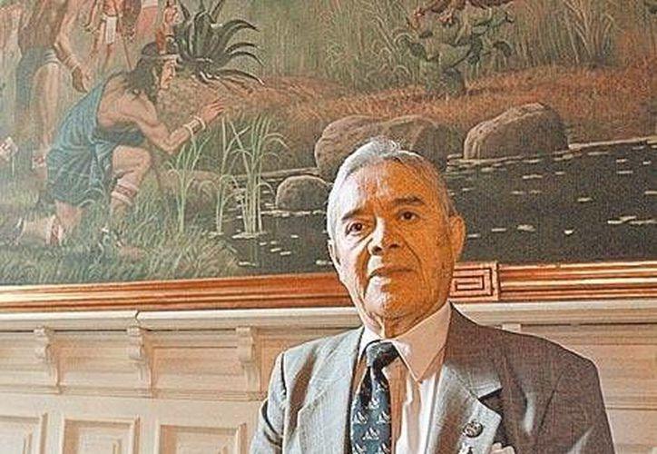"""Don Jorge es actualmente dueño de 50 ópticas: """"con menos estoy más tranquilo"""". (Foto: Javier García/Milenio)"""