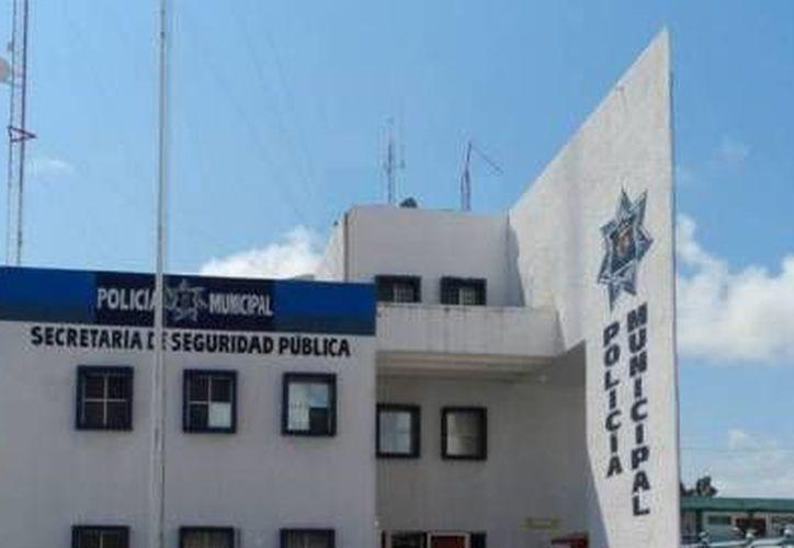 La mujer fue detenida y llevada a las instalaciones de Seguridad Pública. (Redacción/SIPSE)