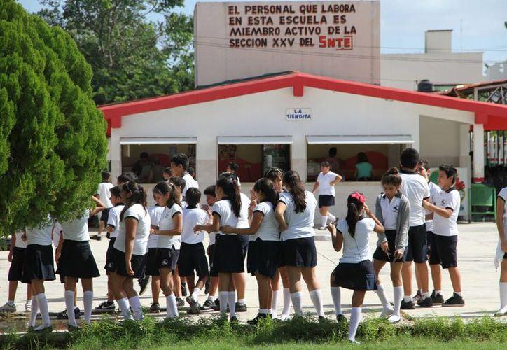 Ayer iniciaron las actividades en los planteles educativos del municipio. (Tomás Álvarez/SIPSE)