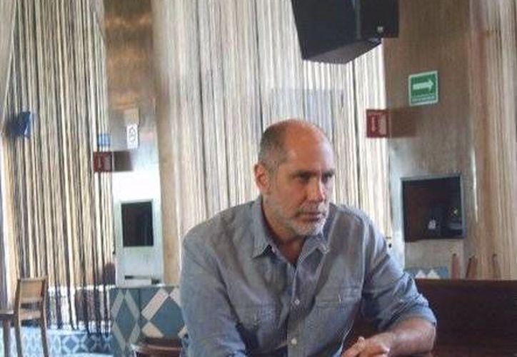 """Ayer se llevo a cabo un debate entre los creadores al tocar el tema """"Fronteras"""", con la presencia del guionista mexicano. (Jorge Carrillo/SIPSE)"""