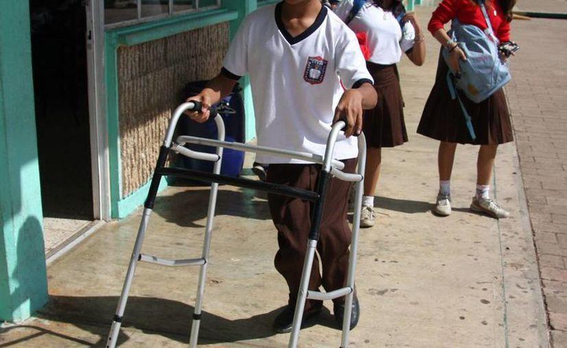 Los discapacitados en Yucatán aún luchan con muchos obstáculos como el caso de la educación, pues los profesores no están bien preparados para ayudarlos a progresar. (Milenio Novedades)