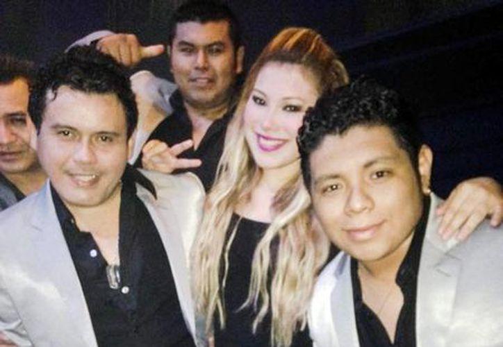 """""""Anahisa y Los Rebeldes"""" actuarán mañana en la tarima de Grupo SIPSE. (Milenio Novedades)"""