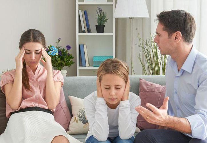 El estrés de la madre es provocado por el hecho de que no hay suficiente tiempo para realizar todos los quehaceres de la casa. (Contexto/Internet)
