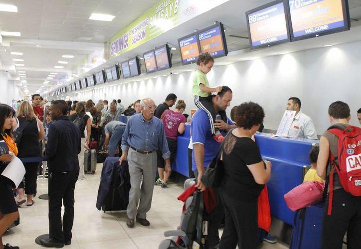 Se verían afectados a alrededor de tres mil 24 pasajeros diarios. Israel Leal/SIPSE)