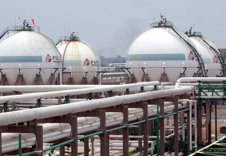 La refinería de Cadereyta abastece a Nuevo León, Coahuila, Chihuahua y en forma parcial a Durango, San Luis Potosí y Tamaulipas. (elhorizonte.mx)