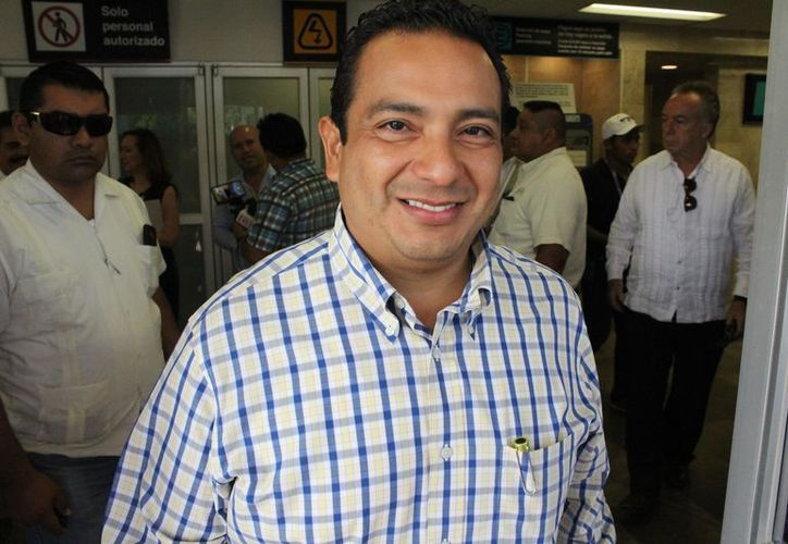 El oficial mayor se dijo satisfecho con la labor que se ha realizado en el primer año e la actual administración estatal. (Joel Zamora/SIPSE)