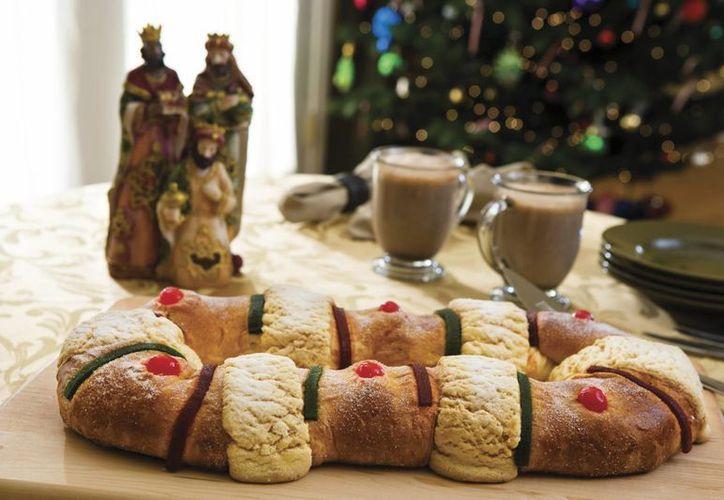 El origen de la tradicional Rosca de Reyes proviene del continente europeo y es fundamentalmente religioso.(Notimex)