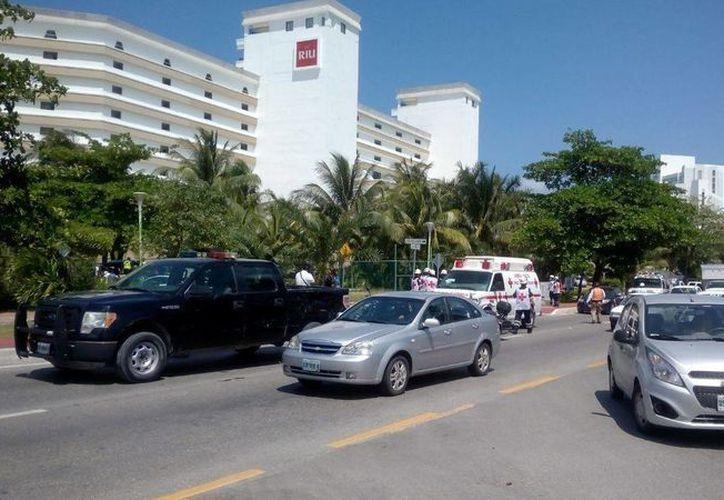 Los hechos ocurrieron en el área de playa del hotel Riu Caribe, en el kilómetro 5.5 del bulevar Kukulcán. (Eric Galindo/SIPSE)