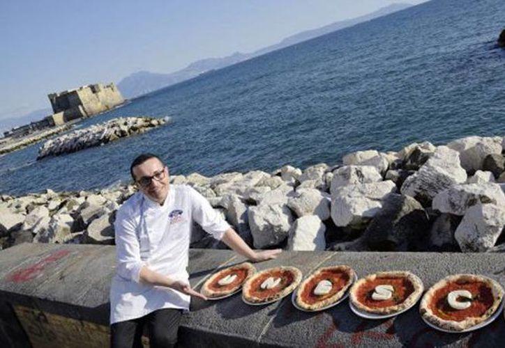 En Italia los trabajadores vinculados al mundo de la pizza suman alrededor de 100 mil personas. (Riccardo Siano/napoli.repubblica.it)