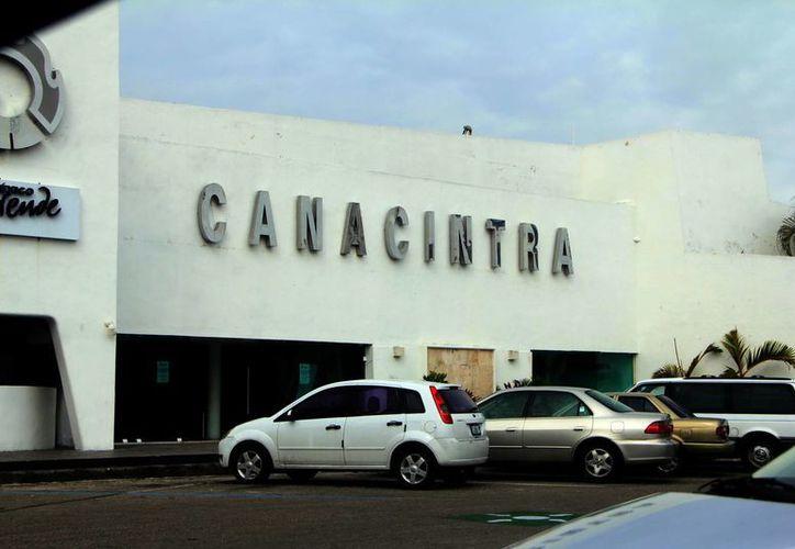En las instalaciones de la Canacintra se impartió el taller sobre el Impuesto Cedular. (Milenio Novedades)