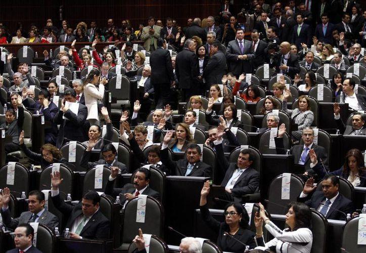 El dictamen de la ley general de aguas sería sometido al pleno de la cámara de Diputados este martes. (Archivo/Notimex)