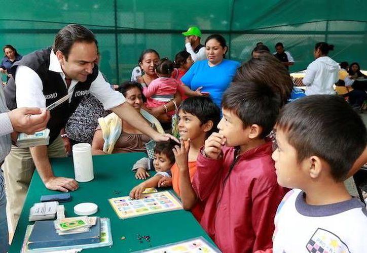 El titular de la Sedesol estatal encabezó el evento en el parque de la colonia Emiliano Zapata Sur III. (Milenio Novedades)