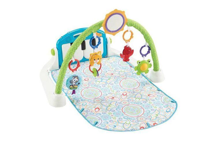 Imagen proporcionada por Fisher Price que muestra uno de los juguetes para bebé, diseñados por la cantante Shakira. La nueva línea de entretenimiento estará a la venta en noviembre. (AP)