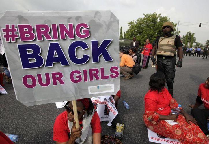 Manifestación en Londres el pasado para pedir el regreso de las niñas secuestradas en Nigeria. (Agencias)
