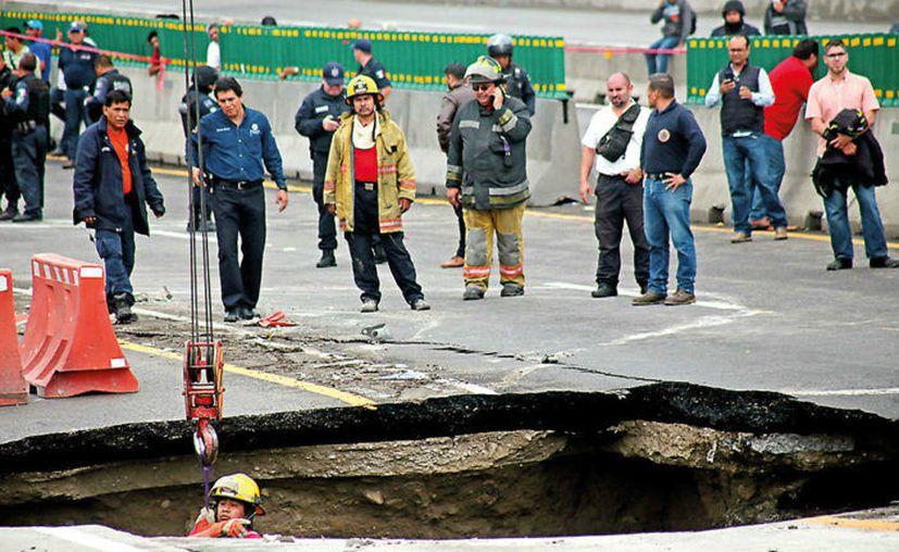 El gobernador de Morelos, Graco Ramírez, afirmó que la obra para resolver los problemas del Paso Exprés de Cuernavaca podría extenderse hasta cuatro meses.  (Margarito Pérez Retana).