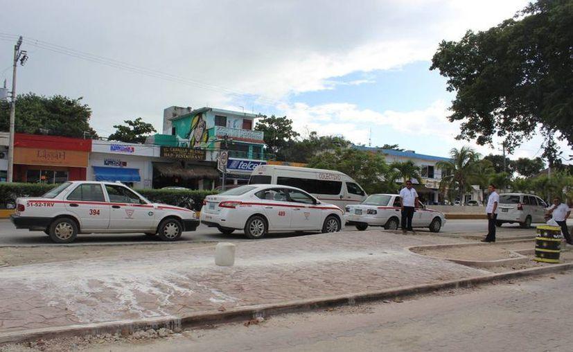 Las obras en la avenida principal de Tulum se modificaron una vez más. (Sara Cauich/SIPSE)