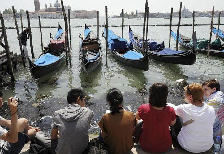 Venecia quiere controlar el comportamiento de algunos visitantes. (Internet)
