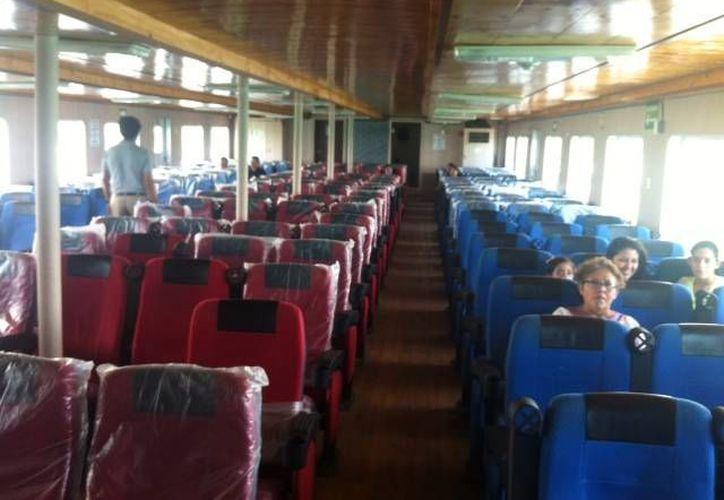 """El barco """"Sergio Gracia Aguilar"""" cuenta con 180 asientos de lujo, y tiene capacidad para más de 20 vehículos compactos"""