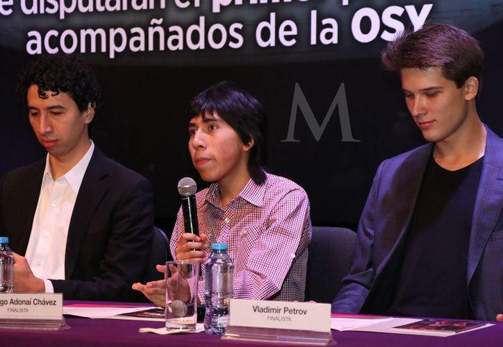 Uno de los ejecutantes es potosino, el otro veracruzano y el otro incluso viene de Bolivia. (Fotos: Jorge Acosta)
