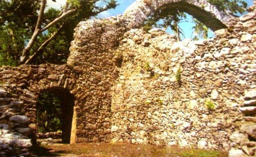 """La zona arqueológica de Oxtankah figura en la """"añeja"""" muestra. (Redacción/SIPSE)"""
