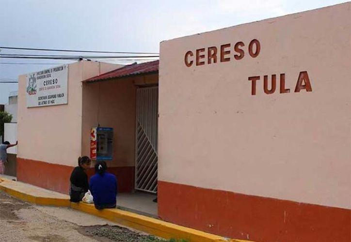 La riña registrada al interior del Centro de Readaptación Social (Cereso) de Tula dejó como saldo dos reos muertos y tres más heridos. (Excelsior)