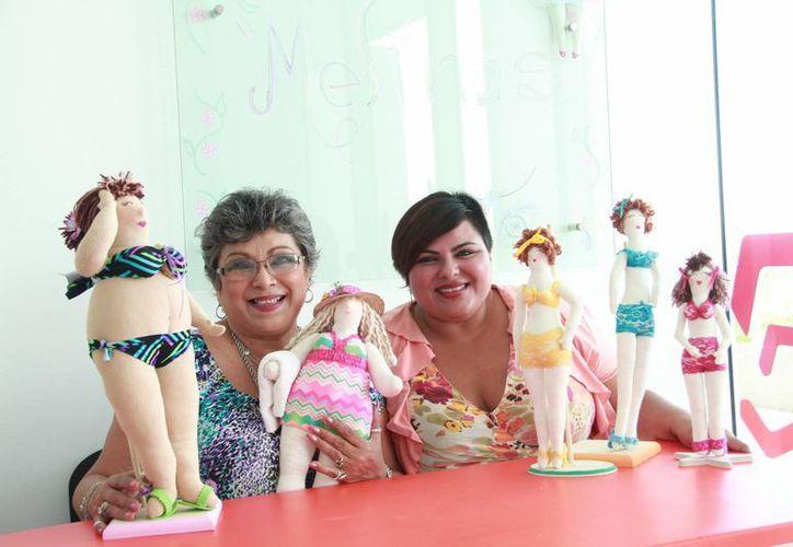 Para solicitar una de las  creaciones Melinas se debe ingresar a su página www.facebook.com/SoyMelinas, donde se podrá elegir entre 6  tipos de cuerpos, anexar la cantidad de busto y el color de cabello que se tiene. (Jorge Acosta/Milenio Novedades)