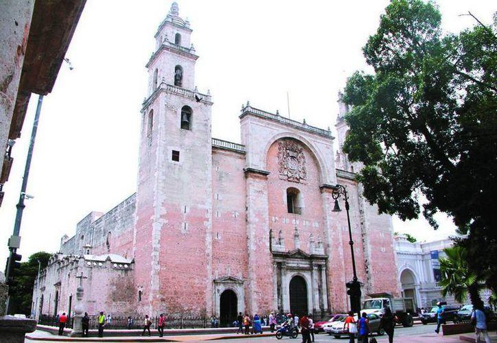Hasta nuevo aviso están suspendidos los recorridos turísticos en la Catedral de Mérida. (SIPSE/Archivo)
