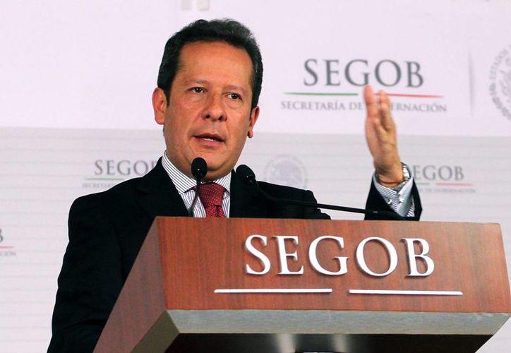El vocero de seguridad, Eduardo Sánchez, dijo que estas acciones buscan reestablecer la paz en Michoacán. (Notimex)